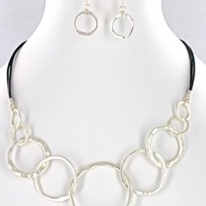 NWT Matte Silver Circle Fashion Necklace/Earrings